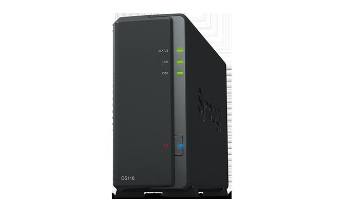 Thiết bị lưu trữ Synology DiskStation DS118 Đặc điểm nổi bật của Thiết bị lưu trữ Synology DiskStation DS118  Thiết bị lưu trữ Synology DiskStation DS118 NAS 1-Bay hiệu năng cao dành cho văn phòng nhỏ và người dùng trong gia đình Máy chủ lưu trữ đa năng, mạnh mẽ và nhỏ gọn  Thiết bị lưu trữ Synology DiskStation DS118 đi kèm với bộ vi xử lý mới nhất 64bit quad core, mang lại tốc độ truyền dữ liệu tuyệt vời và chuyển mã video 10Kbit 4K H.265 nhanh chóng. Quản lý và chia sẻ dữ liệu tốt nhất File Station là một công cụ quản lý dựa trên nền tảng web, nhanh chóng và an toàn được xây dựng để cho phép thao tác dễ dàng, kéo và thả mà không yêu cầu bất kỳ thao tác phức tạp nào trên máy Mac hoặc PC. Công cụ tìm kiếm và lọc nâng cao cho phép dễ dàng tổ chức và chia sẻ các tập tin chỉ bằng một liên kết. Hỗ trợ SMB, FTP, AFP, NFS, WebDAV, tương thích với mọi môi trường. Đồng bộ hóa trên các thiết bị của bạn Cloud Station Suite cung cấp đồng bộ hóa dữ liệu  trên tất cả các thiết bị của bạn và NAS Synology khác.